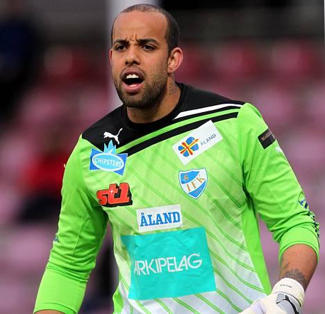 Josh Wicks nähtiin IFK Mariehamnin paidassa kaudella 2011.