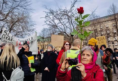 Protesters in Kungsträdgården.