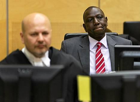 Kenian varapresidentti William Ruto kansainvälisen rikoisoikeuden istunnossa Haagissa syyskuussa.