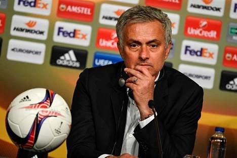 José Mourinho valmensi Realia vuosina 2010–13