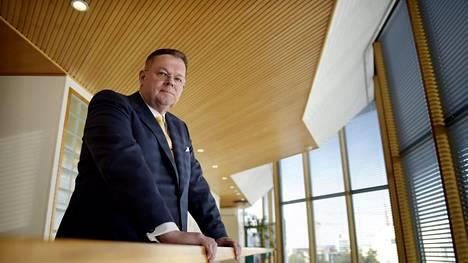 Metsä Groupin entinen pääjohtaja Kari Jordan on nykyisin pörssiyhtiö Outokummun hallituksen puheenjohtaja sekä Nordean ja Nokian Renkaiden hallituksen jäsen. Kuvassa Jordan Metsä Groupin tiloissa maaliskuussa 2016.