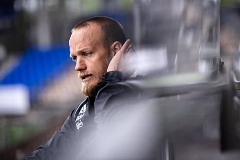 HJK:n apuvalmentajan Mika Väyrysen mukaan pelaajia selvästi piristi päästä pelaamaan koko kentällä ilman turvavälejä.
