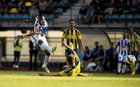Ousman Jallow teki HJK:n voittomaalin ottelussa latvialaisia vastaan.