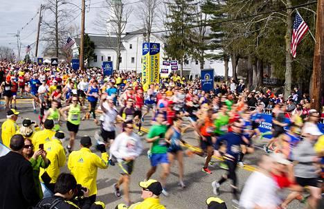 Juoksijoita Bostonin maratonilla 15. huhtikuuta.