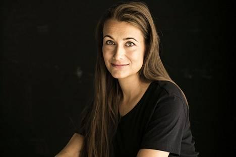 Elina Backman työskentelee luovana johtajana Bauer Mediassa.