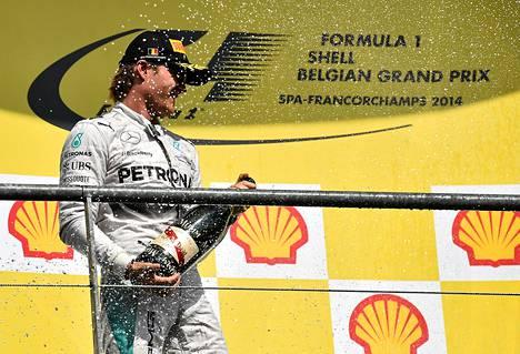Nico Rosberg sai yleisöltä kylmää kyytiä Belgiassa.