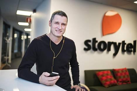 Storytelin toimitusjohtaja ja toinen perustajista on Jonas Tellander. Kuva vuodelta 2016, jolloin Storytel aloitti toimintansa Suomessa.