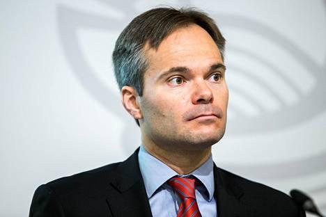 Sisäministeri Kai Mykkänen (kok)