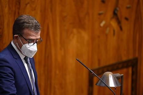 Kokoomuksen puheenjohtaja Petteri Orpo kuvattiin eduskunnan täysistunnossa toukokuussa.