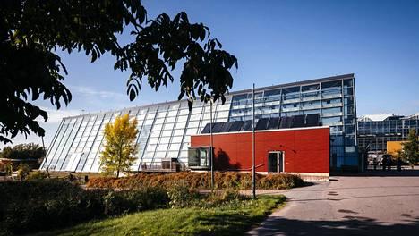Gardenian päärakennuksen on suunnitellut arkkitehti Hannu Tikka.