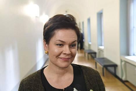 Kansanedustaja Hannakaisa Heikkinen ihmettelee, onko Jenni Haukio ymmärtänyt kotimaisen maatalouden merkitystä.