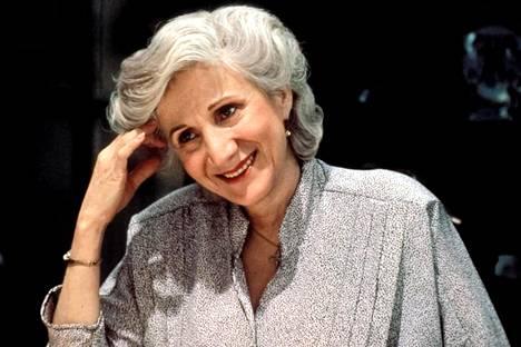 Olympia Dukakis elokuvassa Kuuhullut vuonna 1987. Rooli toi hänelle Oscar-palkinnon parhaasta naissivuosasta. Laulaja Cher palkittiin samasta elokuvasta parhaan naispääosan palkinnolla.
