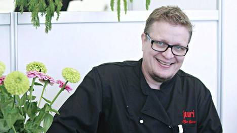 Ravintoloitsija Ilja Björsin mielestä parkkiruutujen vuokraaminen on tervetullut mahdollisuus ravintoloille.