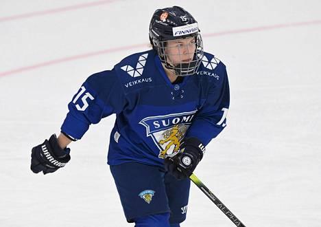Minttu Tuominen pelasi huhtikuun alussa maajoukkueen harjoitusottelussa Kalpan alle 16-vuotiaita poikia vastaan.
