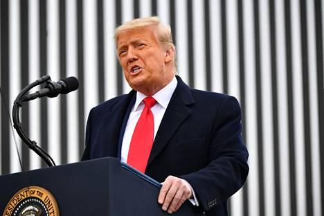 Yhdysvaltojen presidentti Donald Trump puhui Alamossa Texasissa käytyään Meksikon-vastaisella rajamuurilla.