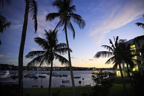 Pääkaupunki Hamiltonin satama Bermudalla.