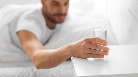 Jos olo tuntuu iltapäivällä nuutuneelta, kannattaa pohtia, onko muistanut juoda riittävästi vettä.