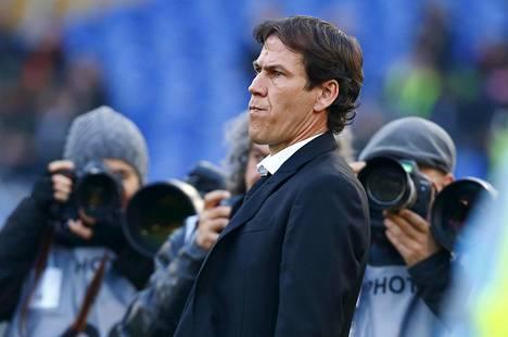 Paineet Rudi Garcían erottamiseksi kasvoivat liian suuriksi , kun AS Roma hävisi kuusi seitsemästä viime pelistään.