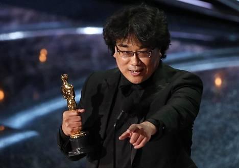 Bong Joon-ho voitti Parasite-elokuvallaan neljä Oscaria.