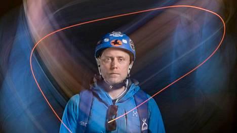 Base-hyppääminen on äärimmäisen vaarallinen laji, mutta riskeihin voi vaikuttaa itse, Markus Saari sanoo.