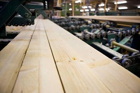 Työsulku toteutetaan Metsä Groupin, Pölkyn, Stora Enson, UPM:n ja Versowoodin tuotantolaitoksissa eri puolella maata.
