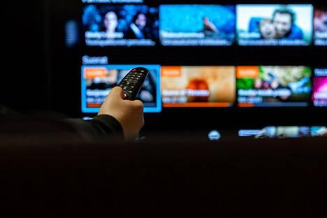 Suuri osa verkkoliikenteestä on viihdekäyttöä, kuten ohjemien katsomista suoratoistopalveluista.