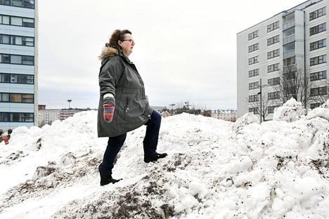 Helsinkiläinen sijaisvanhempi Reetta Lehto ajautui mieleltään järkkyneitä lapsia hoitaessaan masennukseen.