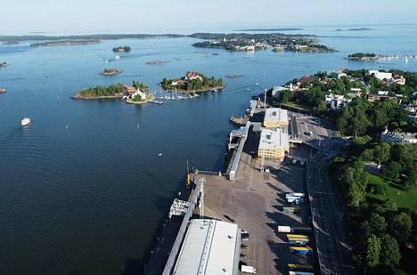 Empirekeskustasta nouseva ilmarata avaisi katseelle Kauppatorin, Valkosaaren, Luodon eli Klippanin ja muut Helsingin edustan saaret.
