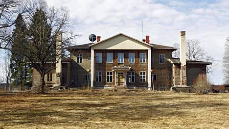 Kytäjän kartanon päärakennus vuonna 2015.