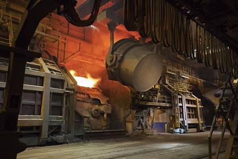 SSAB pyörittää Raahen terästehdasta, joka on Suomen suurin teollisuuslaitos. Yhtiö on hyötynyt ilmaisista päästöoikeuksista huomattavasti.