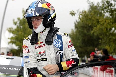 Jari-Matti Latvala on ajanut vahvasti Ranskan asvaltilla.
