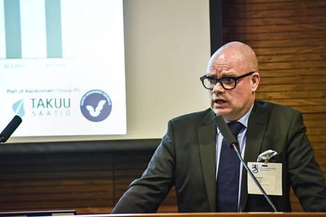 Takuusäätiön toimitusjohtaja Juha A. Pantzar osallistui oikeusministeriön järjestämään keskustelutilaisuuteen, jossa etsittiin keinoja ylivelkaantumisen torjuntaan.