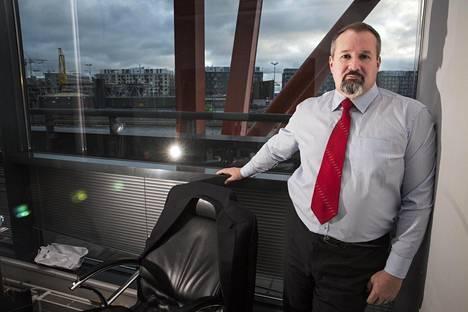 Rao Nordicin toimitusjohtaja Oleg Zakataev haluaisi myydä enemmän sähköä Suomeen, mutta hänen mukaansa uudessa tuntipohjaisessa siirtomaksujärjestelmässä tariffit vaihtelevat liikaa.