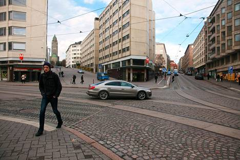 Helsinki aikoo jyrätä metroaseman sisäänkäyntien yläpuolella olevat rakennukset Kallion Linjoilla.