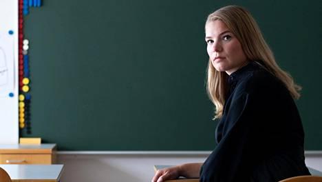 Jotkut oppilaat hyötyivät etäkoulusta, kun taas toisille viime kevät oli raskas. Opettaja Elina Tuomi on valmistautunut siihen, että osa oppilaista tarvitsee erityistä tukea.