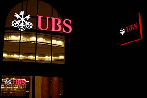 """UBS-pankki tunnetaan """"miljardöörien linnakkeena"""", jonka asiakkaina on noin puolet maailman kaikkein rikkaimmista ihmisistä, kertoo uutistoimisto Reuters."""