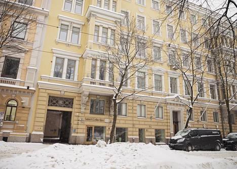 Bulevardi 12 A ja B taloyhtiöissä on useita EasyHomesin ja myös muiden ammattimaisten majoitustoimijoiden käytössä olevia asuntoja.