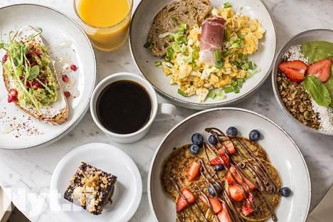 Kahvilan brunssi tarkoittaa valmiita aamupala-annoksia.