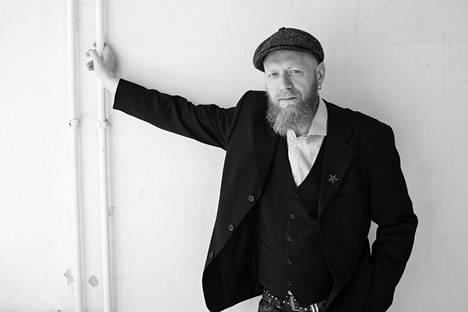 Marko Järvikallas on ennestään jo näytelmäkirjailija ja dramaturgi.