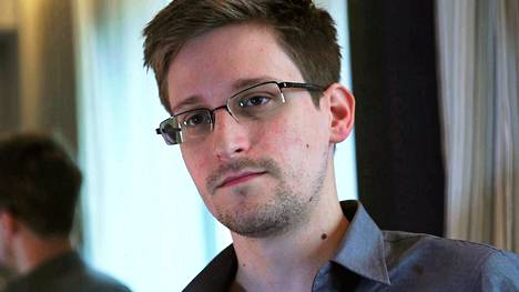 Edward Snowden The Guardian-lehden haastatteluvideolla.