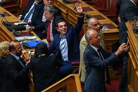 Kreikan pääministeri Alexis Tsipras äänesti Makedonian nimestä parlamentin istunnossa 16. kesäkuuta.