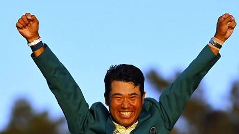 Hideki Matsuyama tuuletti Masters-voittoa.