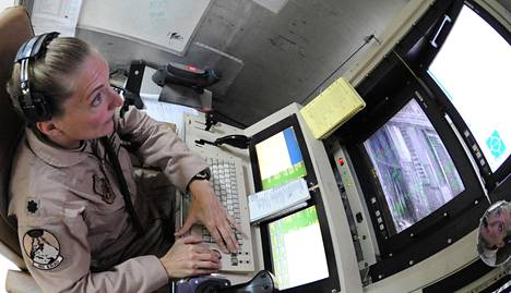 Yhdysvaltain ilmavoimien everstiluutnantti Debra Lee ohjasi Predator-lennokkia vuonna 2009 Irakissa.