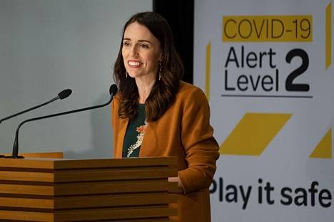 Uuden-Seelannin pääministeri Jacinda Ardern julisti maanantaina, ettei maassa ollut enää aktiivisia koronavirustartuntoja.