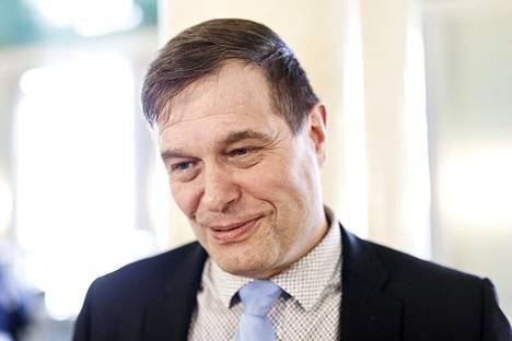 Esitutkinnan mukaan kansanedustaja Kari Tolvanen (kok) antoi oikeusasiamiehelle virheellistä tietoa vuoden 2003 murhatutkinnasta.