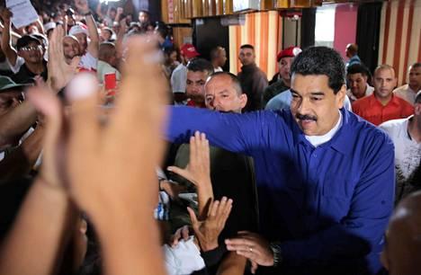 Presidentti Nicolás Maduron perustuslakiuudistusta on epäilty vain yritykseksi pönkittää hänen omaa asemaansa maassa. Kaikki uuden lainsäädäntöelimen ehdokkaat ovat todennäköisesti Maduron kannattajia.