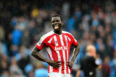 Mame Biram Diouf iski hienon maalin Manchester Cityn verkkoon.