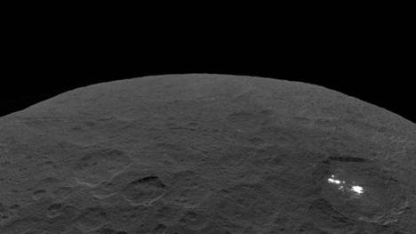 Astronomy The unusual mild areas of the dwarf planet Ceres are salt that rises beneath the floor of the nice sea - Pledge Times