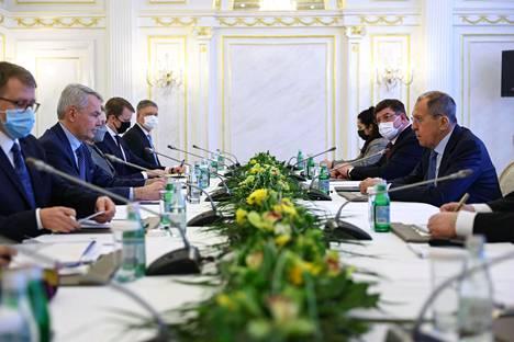 Ulkoministeri Pekka Haavisto tapasi Venäjän ulkoministerin Sergei Lavrovin Pietarissa maanantaina.