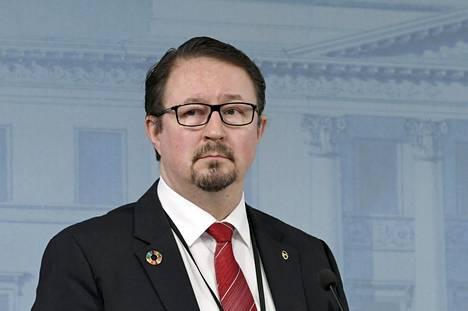 THL:n johtaja Mika Salminen hallituksen koronatilannekatsauksessa Helsingissä 15. huhtikuuta.